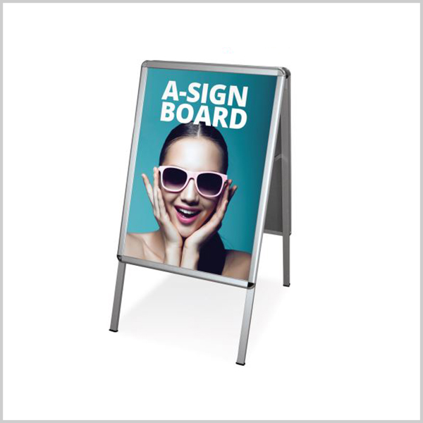 Stop trottoir Recto/Verso : Support de communication publicitaire indispensable double facepour mettre en avant votre communication publicitaireFormat A1